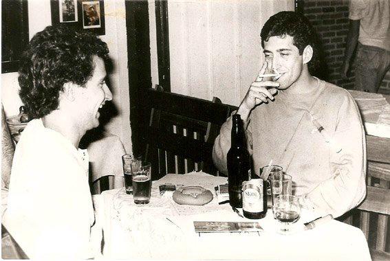 Com o cartunista Glauco, Londrina (1985).