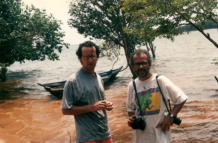 Com o fotógrafo Juvenal Pereira, Santarém, PA (1994).