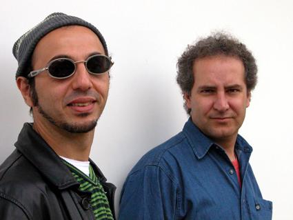Com Zeca Baleiro (2005). Foto Juvenal Pereira