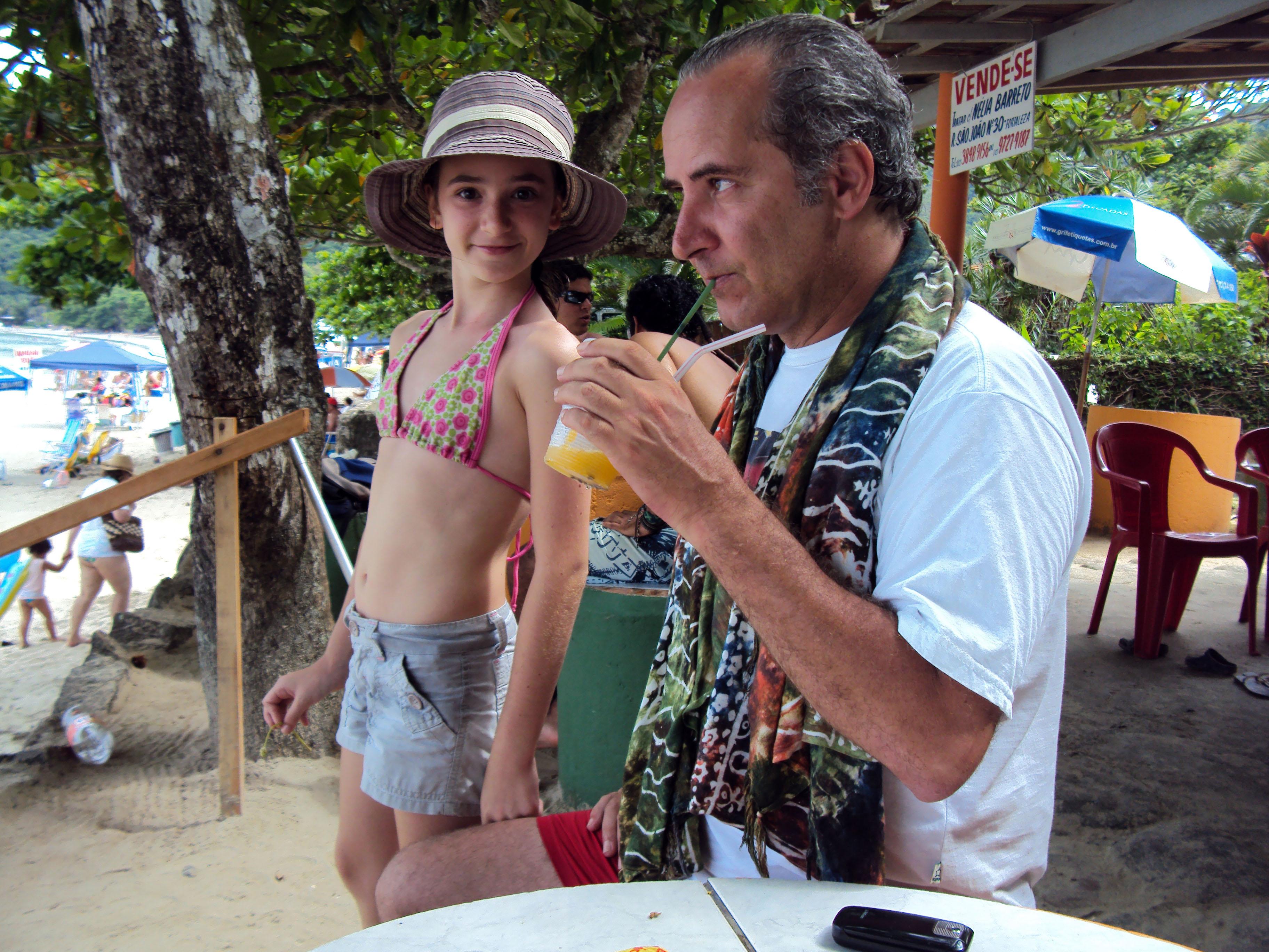 Com Emilia Pascal, Praia Brava (2011). Foto Naiara Rotta Assunção