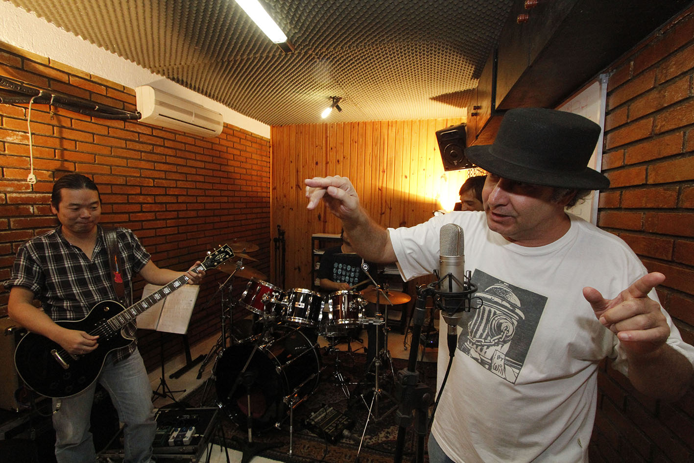 Ensaio com a banda Fracasso da Raça, São Paulo (2012). Foto Juvenal Pereira