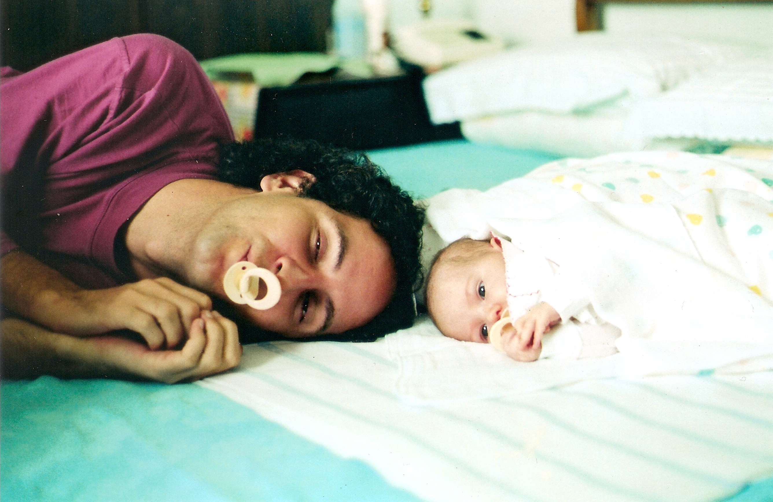 Com a filha Naiara (1991). Foto Simone Rotta