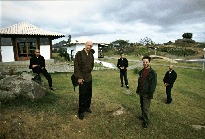 Com o monge Daiju e praticantes zen, Vitória (1999). Foto Juvenal Pereira